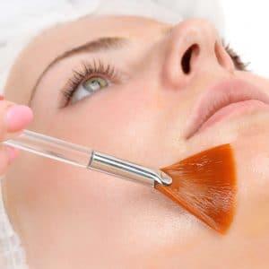 visage femme peeling superficiel