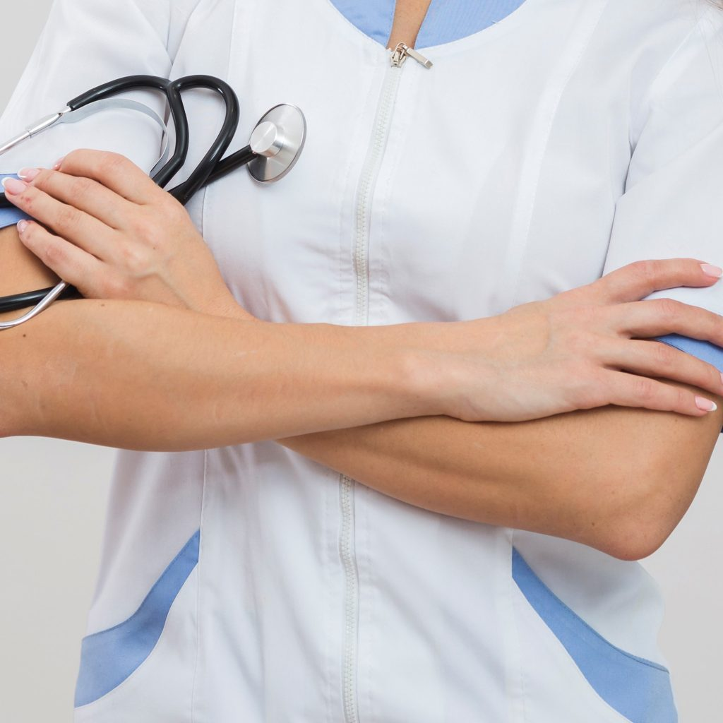 medecin blouse bras