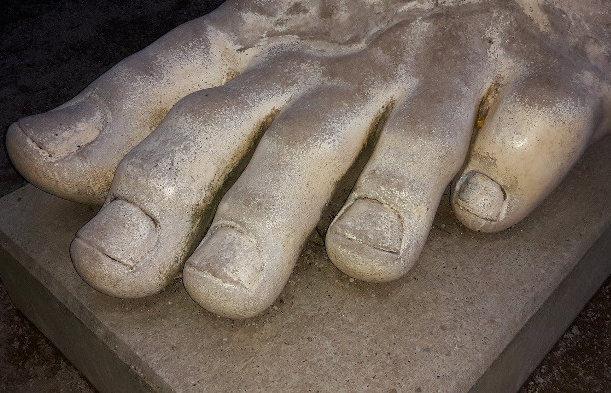 statue orteils mycose