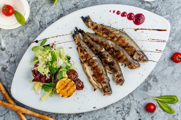 assiette poissons legumes regime surpoids